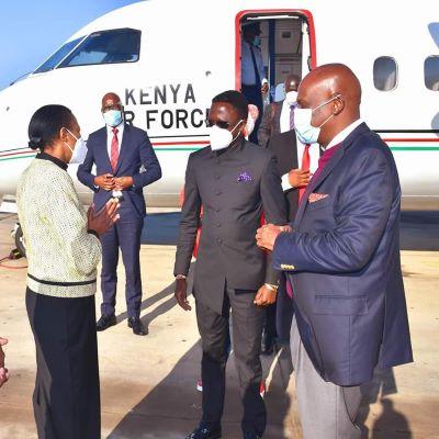 Uhuru by-passes Ruto, picks Senator Moi to represents Kenya at Malawi President's inauguration.