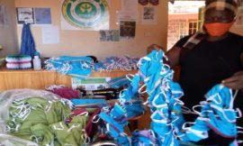Siaya Residents receive facemasks from Dongruokdala CBO
