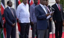 Uhuru hosts Raila & Political leaders at Statehouse over BBI